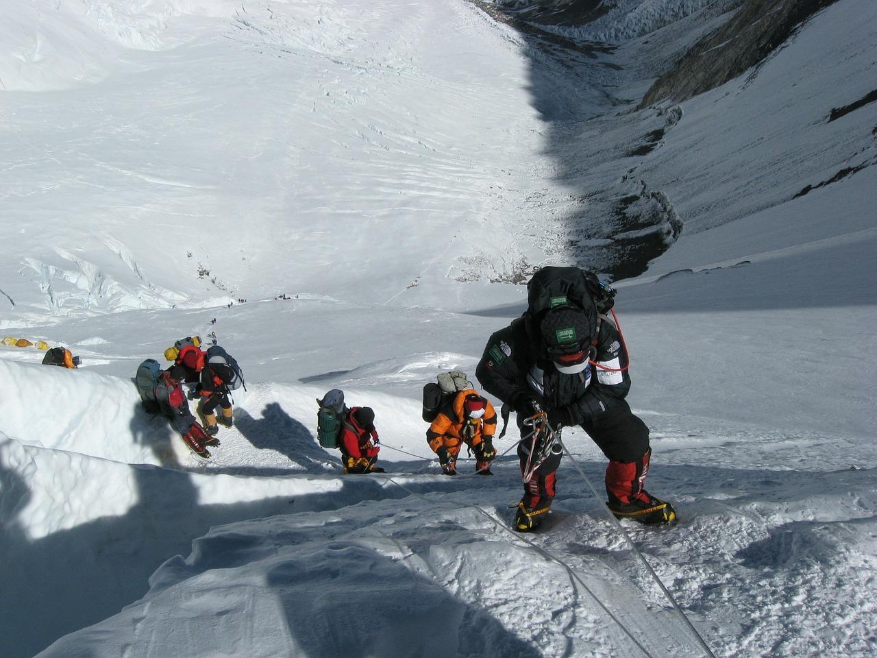 wspinaczka wysokogórska aplinizm himalaje trekking film