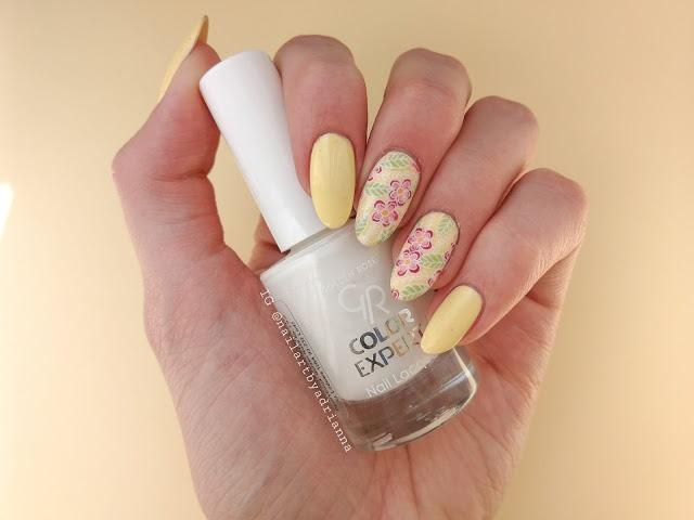 zdobienie paznokci na wiosnę w kwiaty