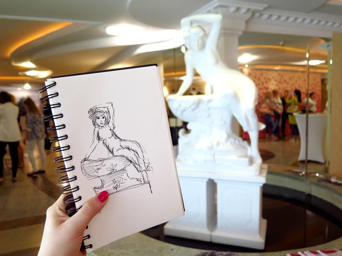 Rysunek rzeźby w hotelu Lord w Warszawie