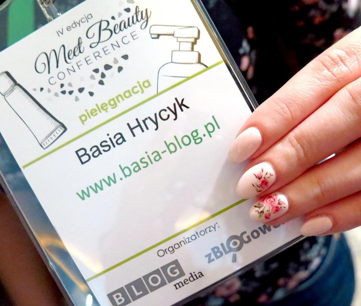 zdobienie paznokci w kwiaty naklejki wodne kalkomania różyczki blogerka basia blog
