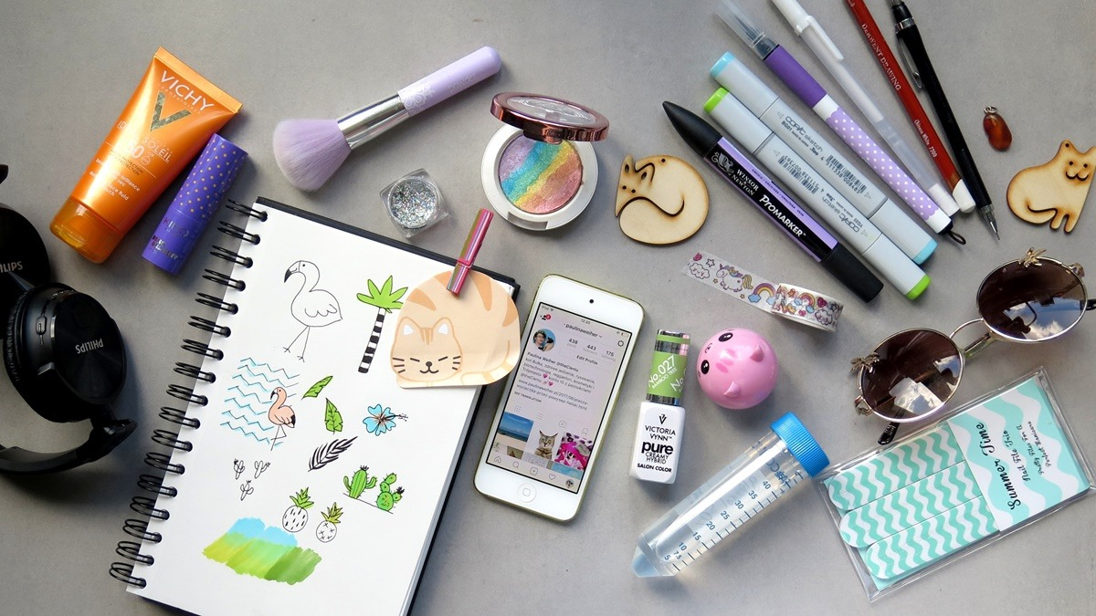 przybory do rysowania, kreatywne narzędzia, szkicownik, blogowanie