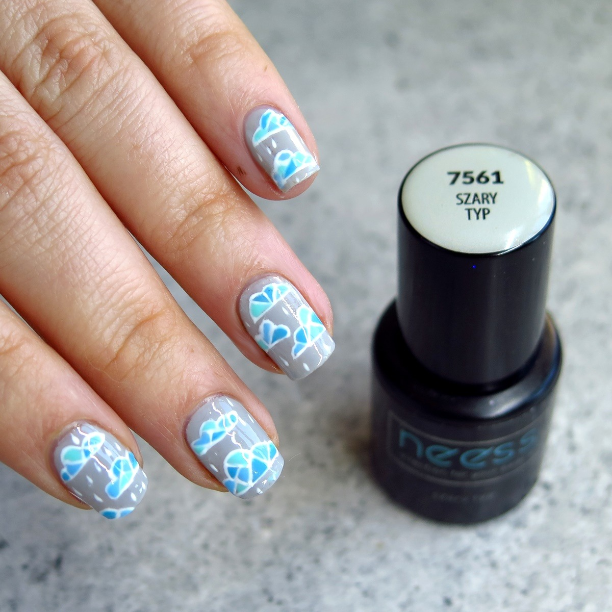 zdobienie paznokci na lato wzory w chmurki geometryczne zdobienie stylizacja paznokci na urlop wakacje