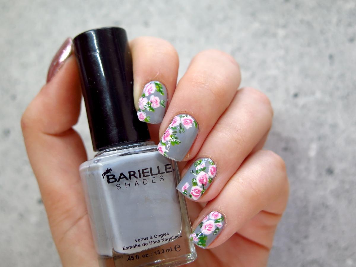 zdobienie paznokci w kwiaty róże vintage szare różowe